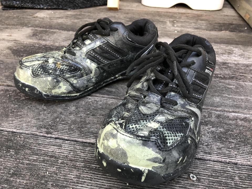 【災害時での現場活動に活躍】『安全靴』の選び方とおすすめモデル